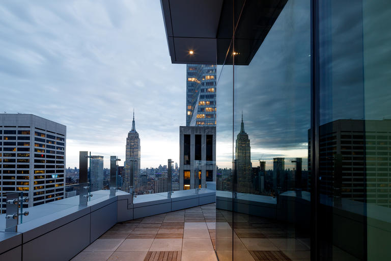 1155 Avenue of the Americas with View Dynamic Glass